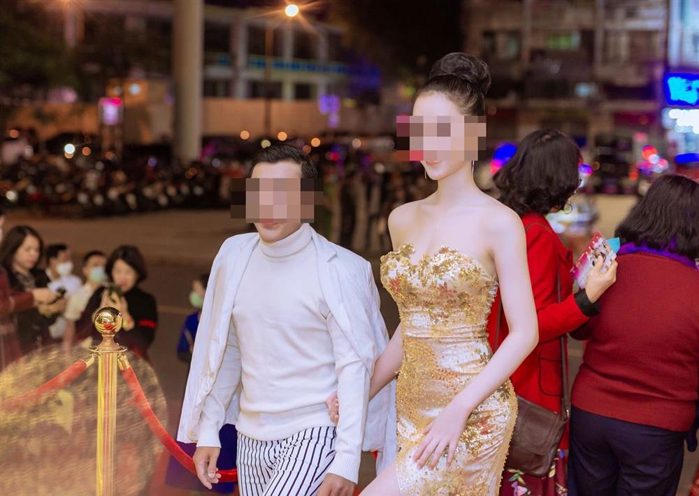 Cô gái bị đánh ghen ở phố Lý Nam Đế: Phẫu thuật cả mặt để vào showbiz - 2