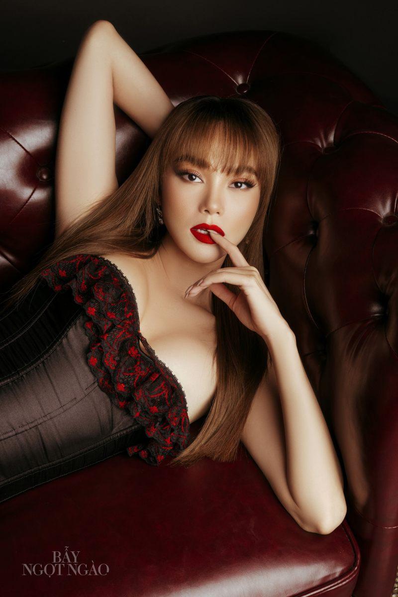 Minh Hằng mặc nữ tính quyến rũ trong bộ ảnh quảng bá phim - 4