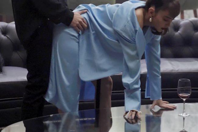 Minh Hằng mặc nữ tính quyến rũ trong bộ ảnh quảng bá phim - 6