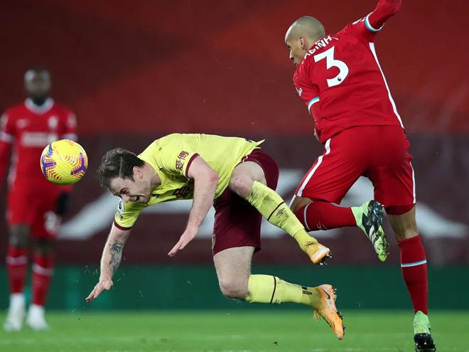 Video Liverpool - Burnley: Phung phí cơ hội, địa chấn cực lớn - 1