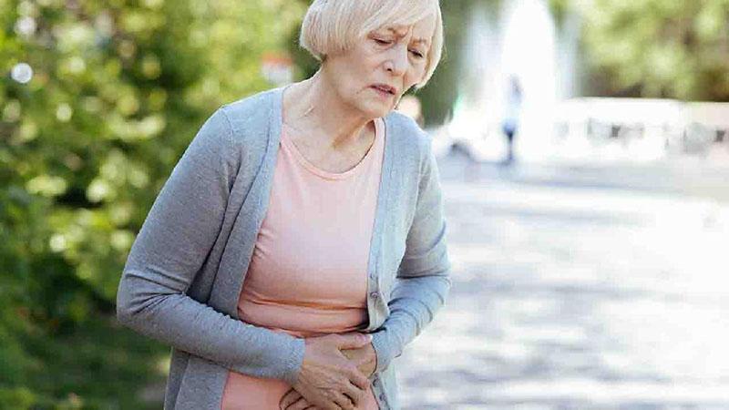 Không có triệu chứng tiêu hóa nhưng hay chóng mặt, người phụ nữ mắc ung thư đại trực tràng - 1