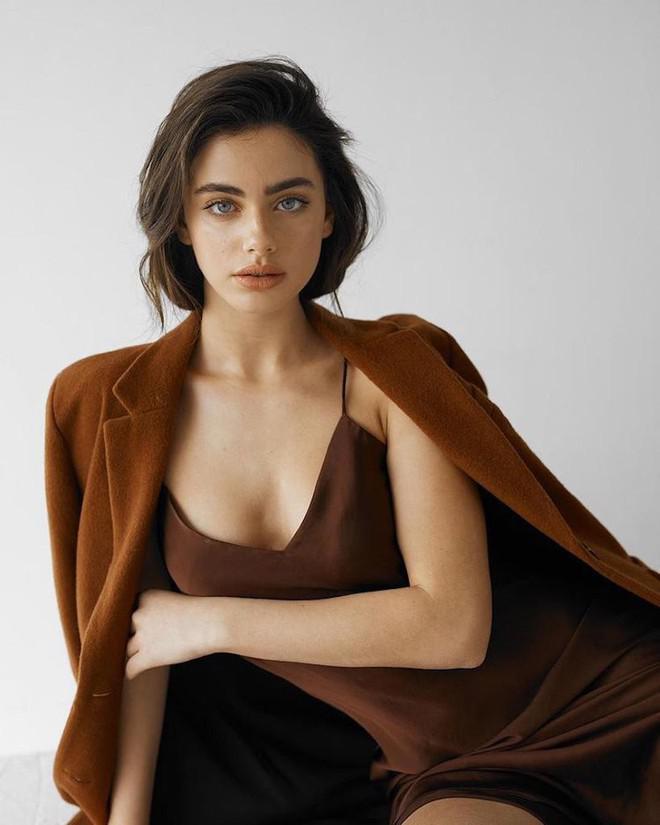 Người mẫu có gương mặt đẹp nhất thế giới vẫn bị chế giễu ngoại hình - 4