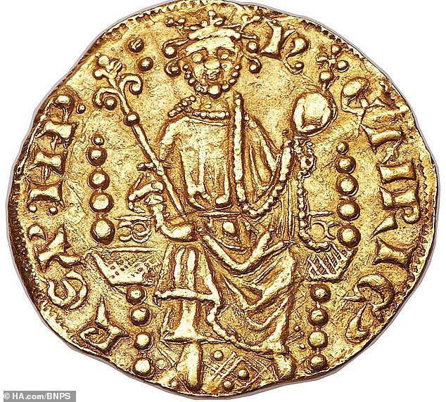 Đồng xu vàng gần 800 tuổi có giá gần 17 tỷ đồng - 1