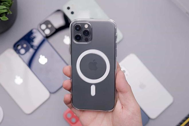 Apple chính thức cảnh báo mối nguy hiểm trên iPhone 12 - 1