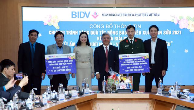 BIDV dành 30 tỷ đồng tặng quà Tết cho người nghèo - 5