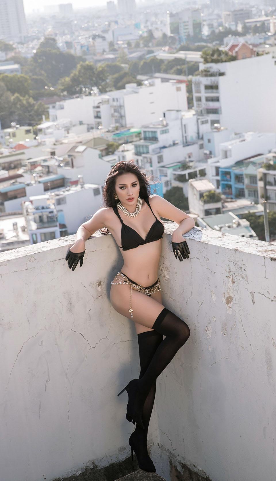 Chán hồ bơi, Yaya Trương Nhi lên sân thượng diện bikini tạo dáng táo bạo - hình ảnh 7