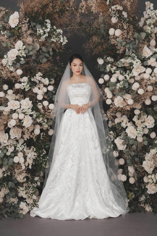 Dương Cẩm Lynh bất ngờ tung ảnh cưới, fan đồn đoán về người đàn ông bí mật - hình ảnh 7