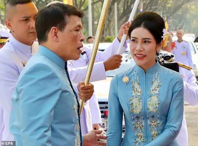 Vua Thái Lan phong quý phi làm hoàng hậu thứ hai?