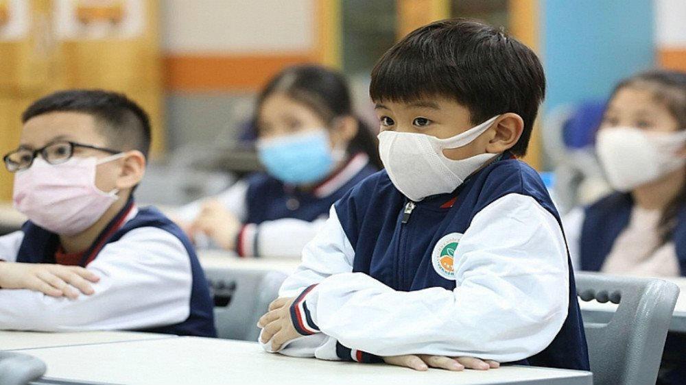 Xuất hiện 2 ca COVID-19 trong cộng đồng, học sinh, sinh viên Hải Dương, Quảng Ninh nghỉ học - 1