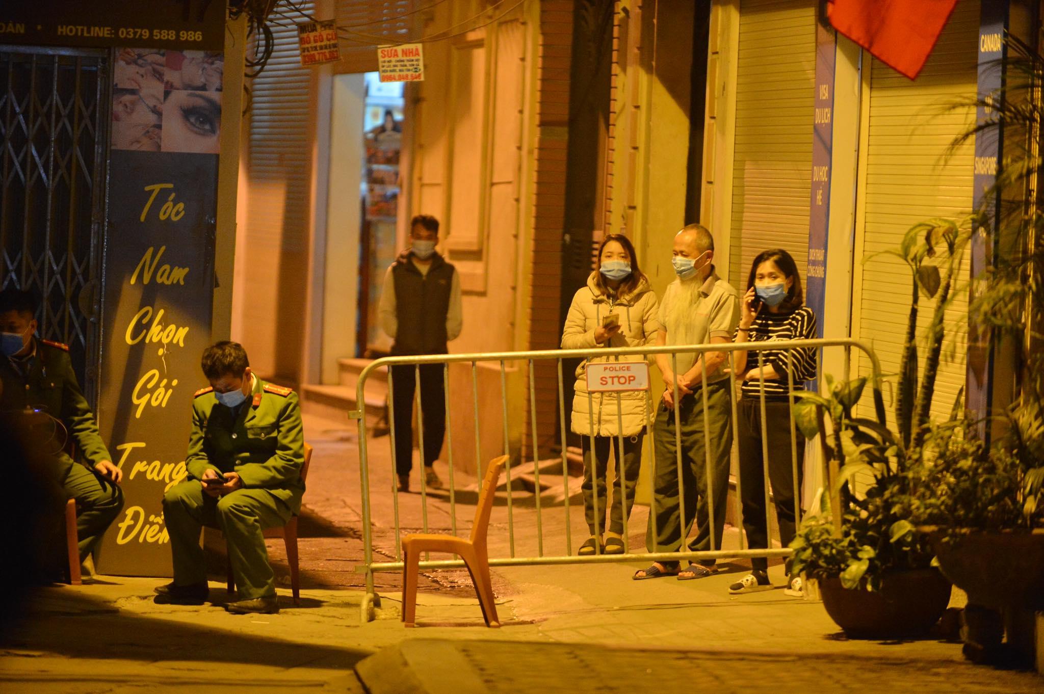 Ca bệnh 1581 ở Hà Nội:Từng đi Trung tâm thương mại, đưa cháu đi học - 1
