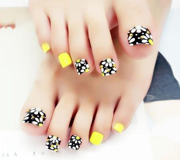 Những mẫu móng chân đẹp dễ thương đơn giản được yêu thích nhất hiện nay - hình ảnh 2