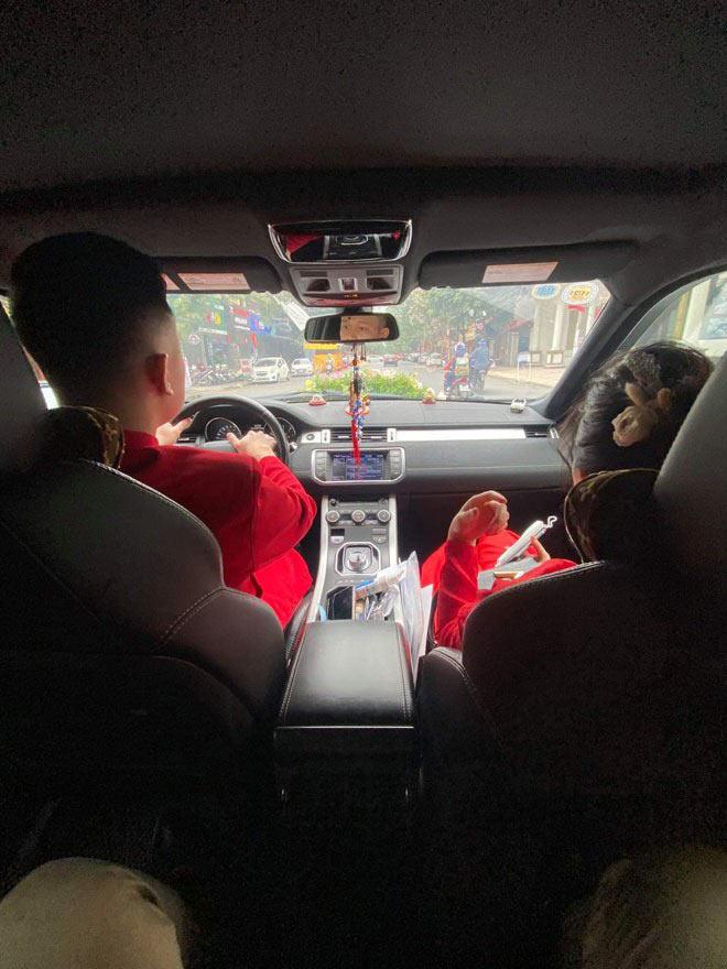 Chú rể Hải Phòng, cô dâu Quảng Ninh trao lễ ở trạm thu phí: Người thân tiết lộ bất ngờ - 3