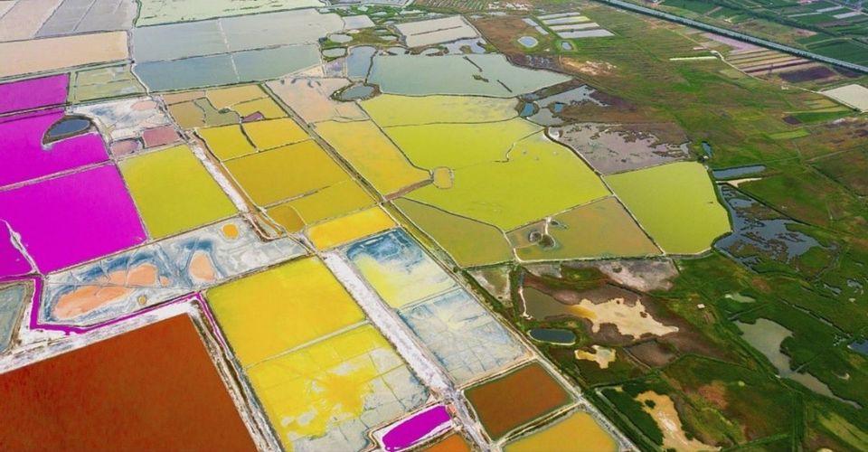"""Hồ nước không khác gì bức tranh trừu tượng, được ví như """"Biển Chết"""" của Trung Quốc - hình ảnh 1"""