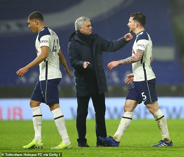 Tottenham thua 2 trận trong 72 giờ, bị HLV Mourinho gán biệt danh gây sốc - 1