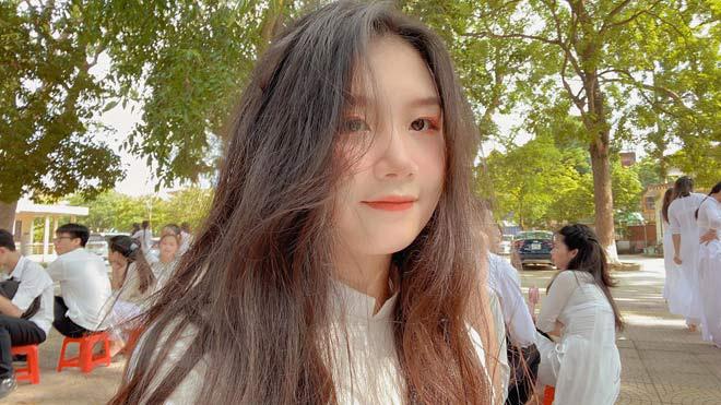 """Nữ sinh bắt xe buýt từ Bắc Ninh lên Hà Nội học giành học bổng 5,7 tỷ """"lột xác"""" bất ngờ - 1"""