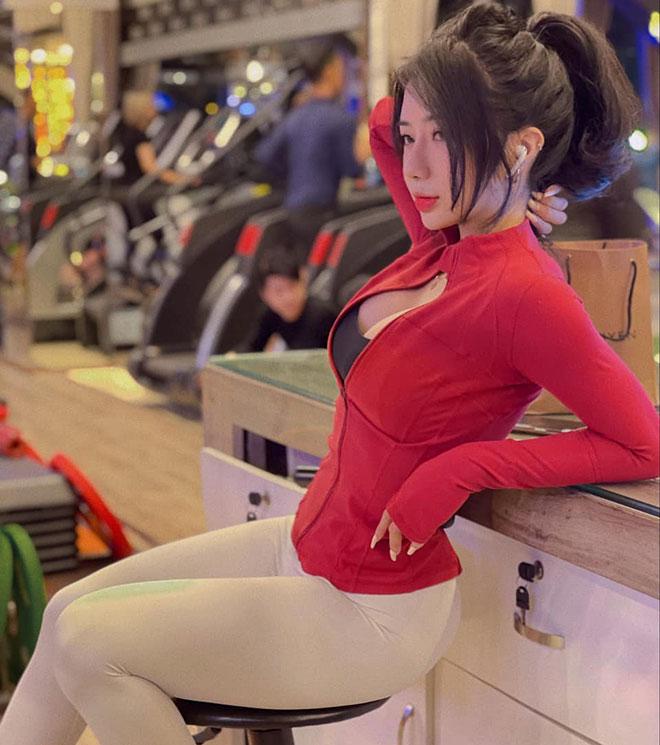 Hot girl tập gym Phạm Hồng Nhung vòng ba gần 100cm nhờ nâng tạ 160kg - 12