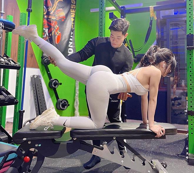 Hot girl tập gym Phạm Hồng Nhung vòng ba gần 100cm nhờ nâng tạ 160kg - 13