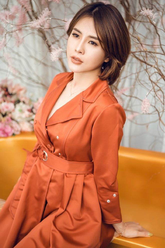 """Người đẹp Hà Ly """"Làng ế vợ"""" phủ nhận được làm diễn viên nhờ quan hệ thân thiết với đạo diễn - 3"""