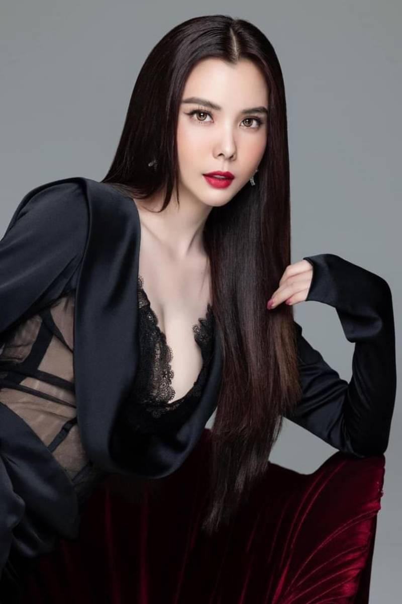 Hoa hậu Đồng Tháp lên đồ e ấp như gái Nhật, hé lộ vóc dáng chuẩn nữ thần