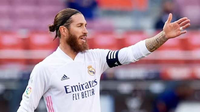 """Real Madrid nên """"trói chân"""" hay bán tháo đại ca Sergio Ramos như Ronaldo? - 1"""