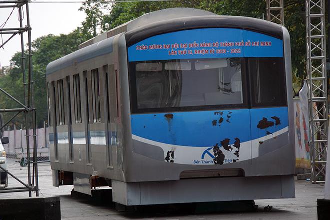 Toa tàu Metro xuất hiện và hình ảnh đường hoa Nguyễn Huệ Tết Tân Sửu 2021 trước ngày khai mạc - hình ảnh 16