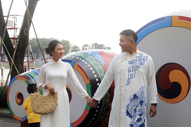 """Ngắm đường hoa dài 700m ở Phú Mỹ Hưng, điểm """"check in"""" cho du khách dịp Tết đến Xuân về - hình ảnh 14"""