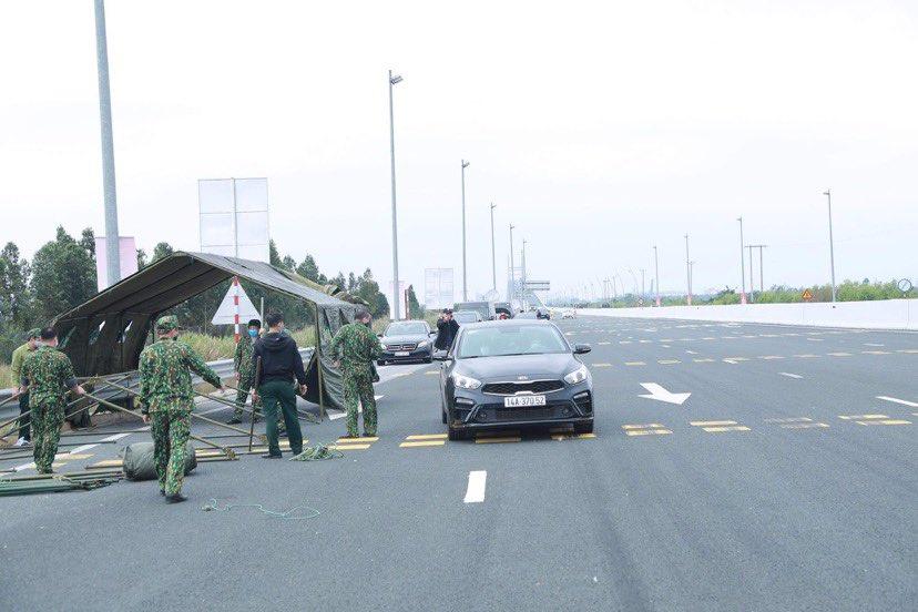 Từ 6h ngày 8/2, Quảng Ninh lại tạm dừng vận tải hành khách liên tỉnh để phòng dịch COVID-19 - hình ảnh 1