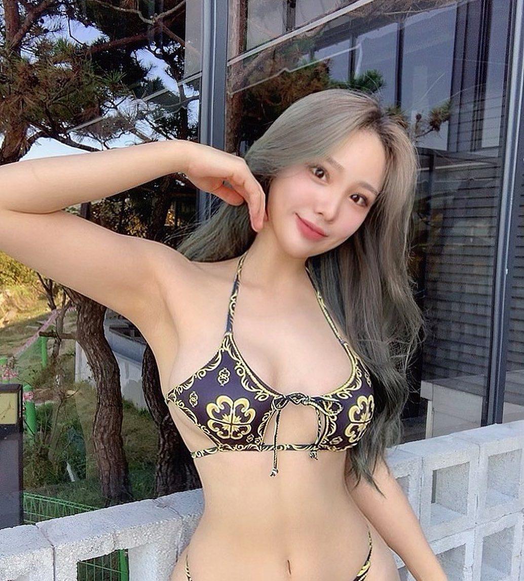 """Bikini độc lạ tôn hình thể """"bom di động"""" của cô giáo thể hình Hàn Quốc - hình ảnh 3"""