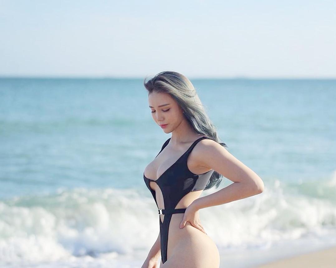 """Bikini độc lạ tôn hình thể """"bom di động"""" của cô giáo thể hình Hàn Quốc - hình ảnh 4"""