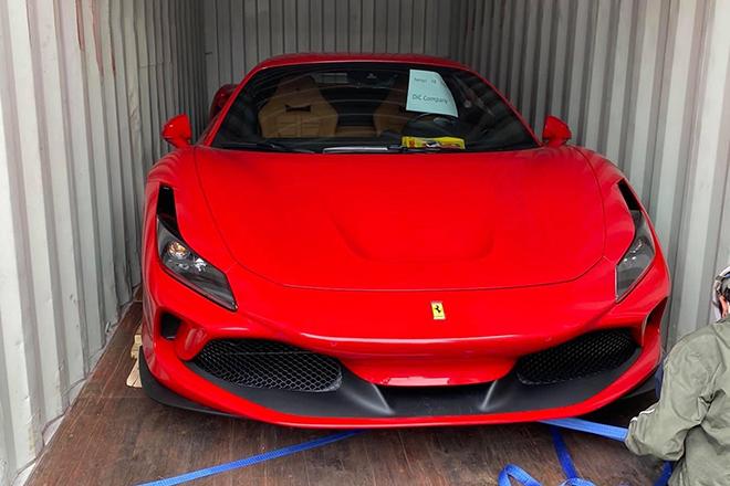 Siêu xe Ferrari F8 Tributo thứ 5 cập bến Việt Nam - 1