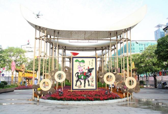 Đường hoa Nguyễn Huệ mở cửa đón khách từ sáng 10/2, yêu cầu không bỏ khẩu trang chụp hình, selfie - 11