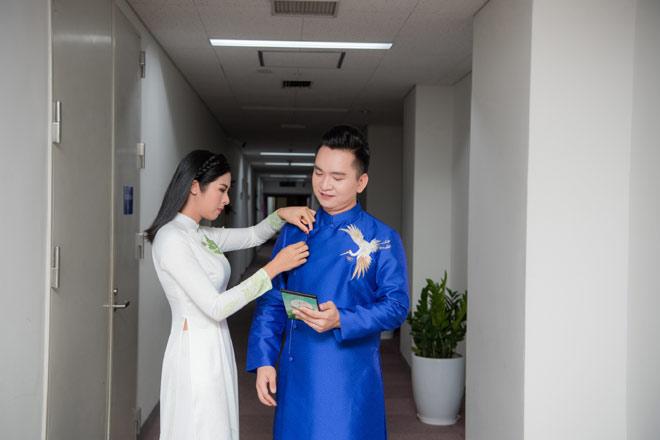"""""""Hoa hậu ngoan nhất Vbiz"""" nói gì về thời điểm kết hôn với bạn trai làm ở Bộ Ngoại giao? - hình ảnh 4"""