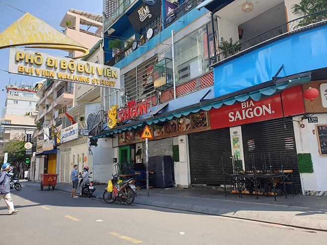 TP.HCM: Quán bar, karaoke, quán nhậu đồng loạt đóng cửa, đường phố vắng tanh - hình ảnh 2