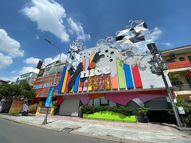TP.HCM: Quán bar, karaoke, quán nhậu đồng loạt đóng cửa, đường phố vắng tanh - hình ảnh 9