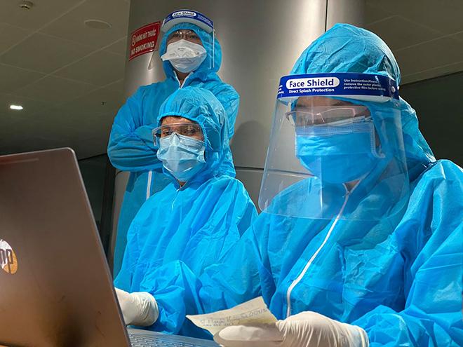 Một nhân viên sân bay Tân Sơn Nhất nghi mắc COVID-19 - hình ảnh 1