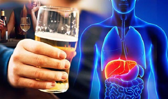 Những cách này để tránh ảnh hưởng đến gan khi uống bia rượu