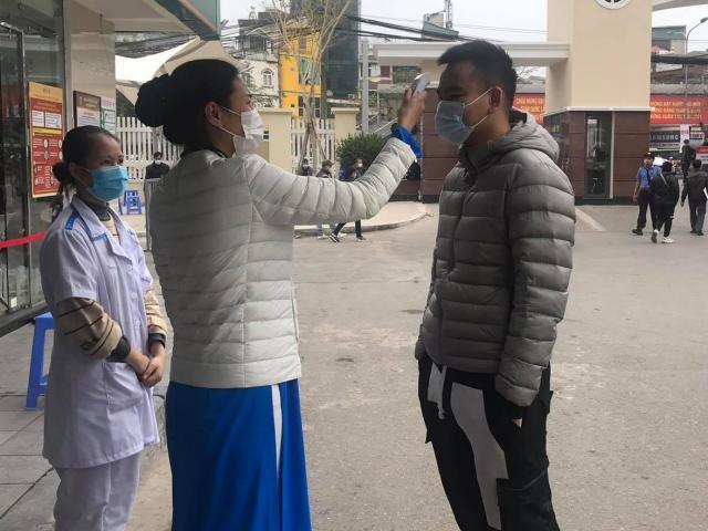 100% bệnh nhân nhập viện Bạch Mai được xét nghiệm COVID-19 - hình ảnh 1