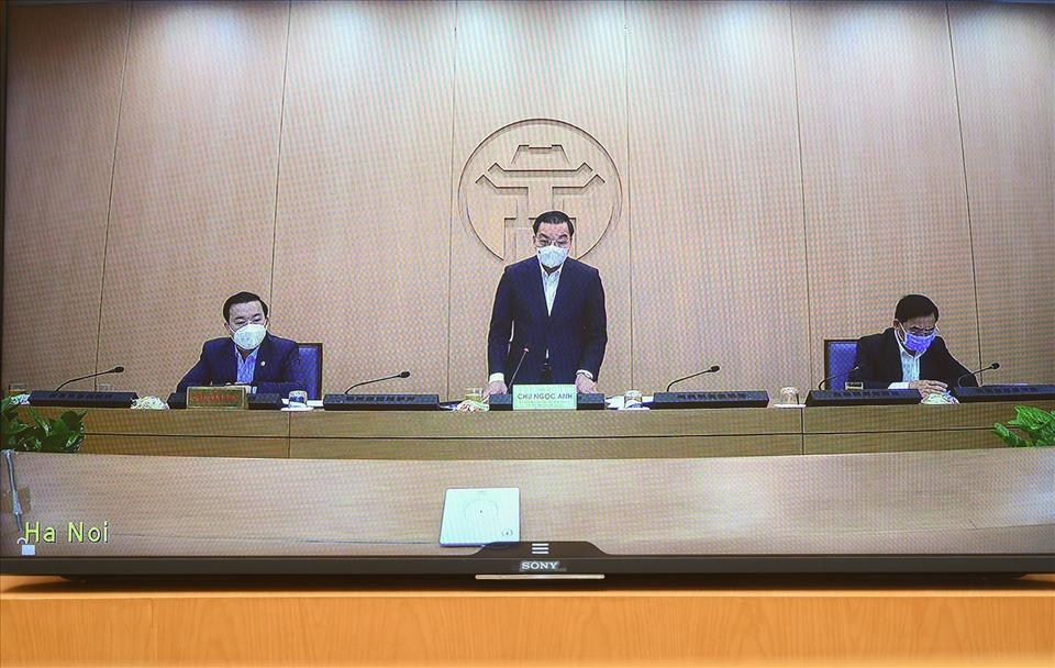 Chủ tịch TP.Hà Nội đề nghị khai báo y tế bắt buộc đối với người địa phương khác về Thủ đô - hình ảnh 1