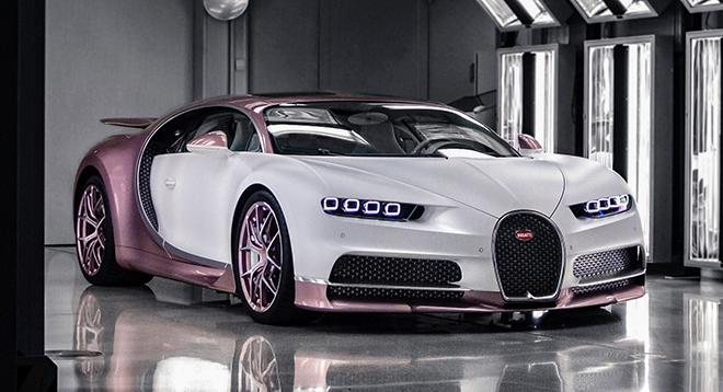 Siêu xe Bugatti Chiron màu trắng hồng độc nhất vô nhị - 1