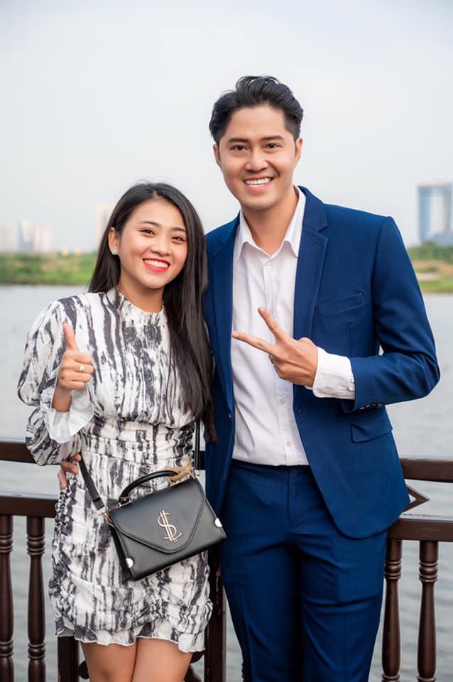 Vợ sắp cưới khóc nức nở đưa thi hài diễn viên Hải Đăng về TP.HCM - hình ảnh 2