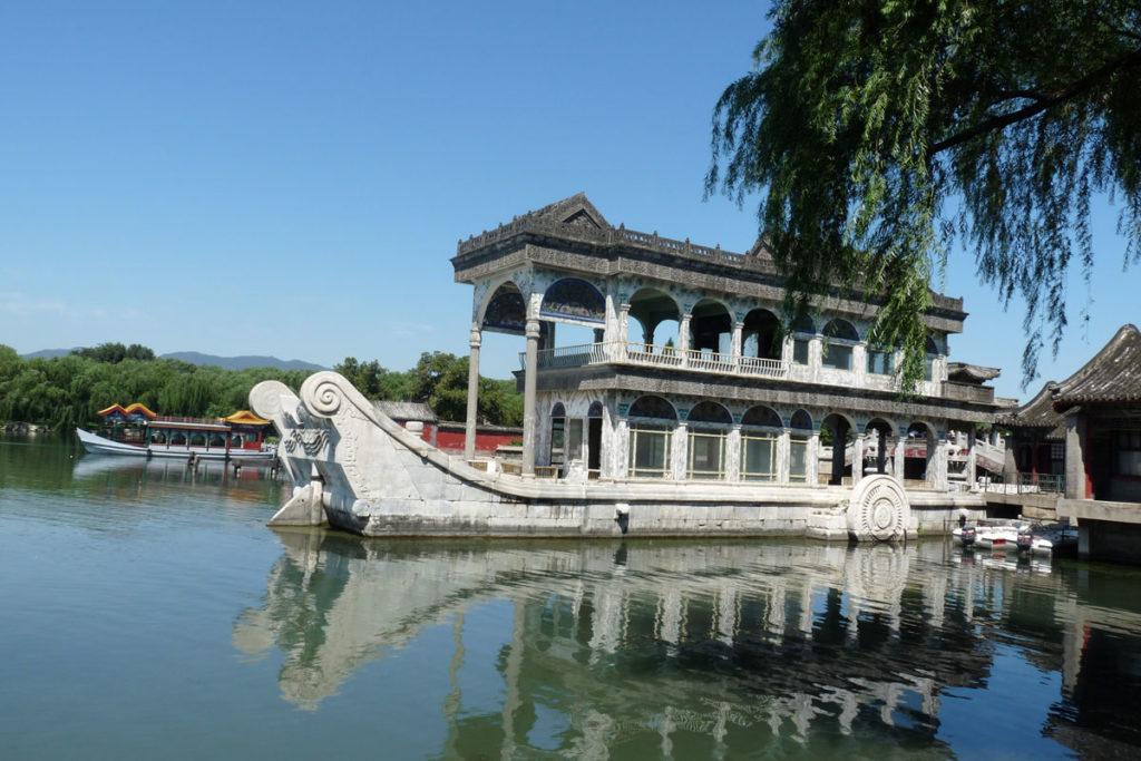 Mùa xuân châu Á cũng khiến du khách say lòng người bởi những cảnh đẹp này - 4