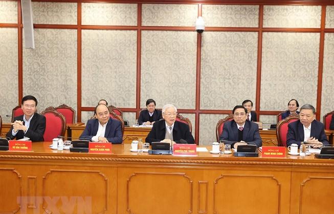 Bộ Chính trị đồng ý chủ trương mua vaccine COVID-19 cho dân - hình ảnh 1