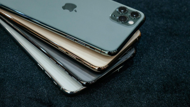 Ra tết có tiền lì xì nên mua iPhone XS Max, iPhone 11 hay 11 Pro Max? - 1