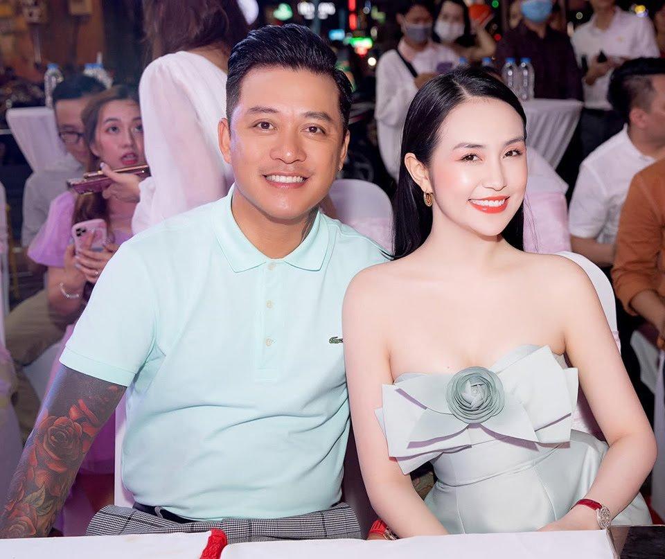 """4 """"nữ đại gia mê đẻ"""" nhất showbiz Việt: Vợ chủ tịch nóng bỏng khiến Tuấn Hưng không thể rời mắt - 7"""