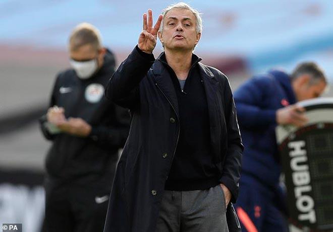 Mourinho bất ngờ ẵm giải HLV hay nhất thế kỷ: Hạ đẹp Guardiola và Sir Alex - 4