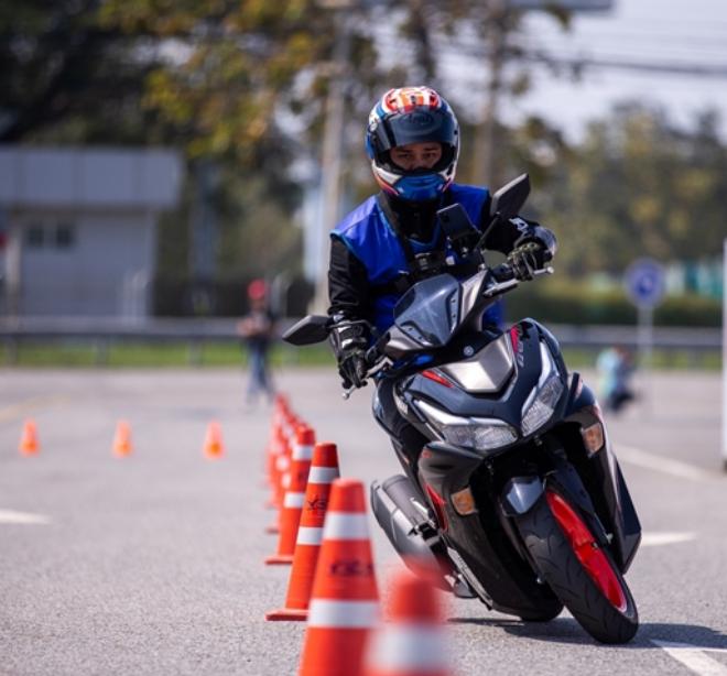 Yamaha Aerox 155 hoàn toàn mới: Xe ga thể thao giá tầm thấp, đốn tim phái mạnh - 6