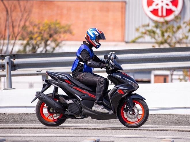 Yamaha Aerox 155 hoàn toàn mới: Xe ga thể thao giá tầm thấp, đốn tim phái mạnh - 7