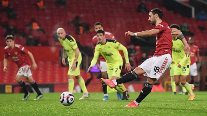 Video MU - Newcastle: Hiệp 2 hiệu quả, đòi lại ngôi nhì - 1