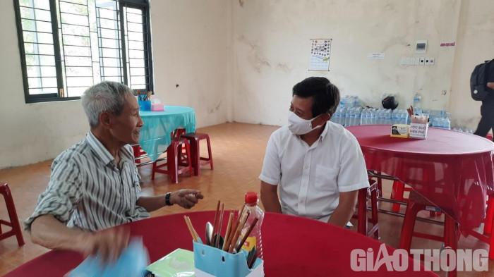 """Cận cảnh 30' phục vụ quán cơm, ông Đoàn Ngọc Hải được trả """"lương khủng"""" - hình ảnh 7"""