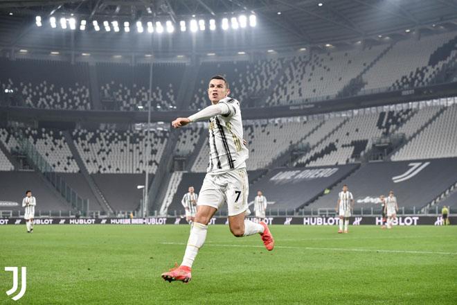 """Ronaldo bật nhảy như siêu nhân ghi 2 bàn đánh đầu, lập kỳ tích """"khủng"""" - 7"""
